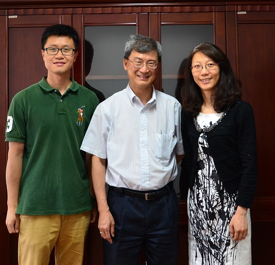 Dr.Chow_with_Prof._Bi_and_Dr._Hao_at_North_China_University.JPG